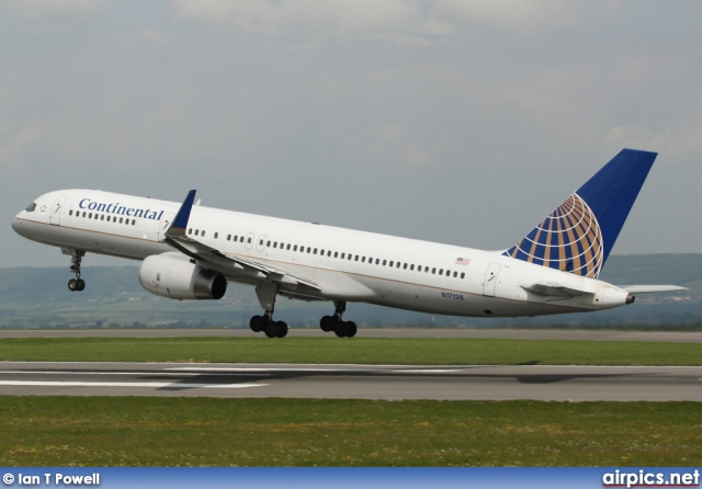 N17128, Boeing 757-200, Continental Airlines