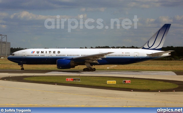 N209UA, Boeing 777-200ER, United Airlines