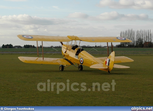 N6537, De Havilland DH-82A Tiger Moth II, Private
