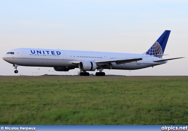 N67052, Boeing 767-400ER, United Airlines