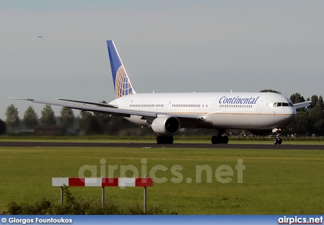 N68061, Boeing 767-400ER, Continental Airlines
