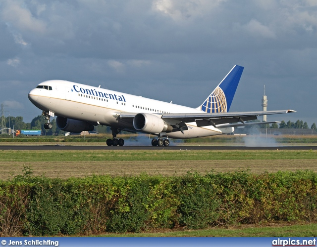 N73152, Boeing 767-200ER, Continental Airlines