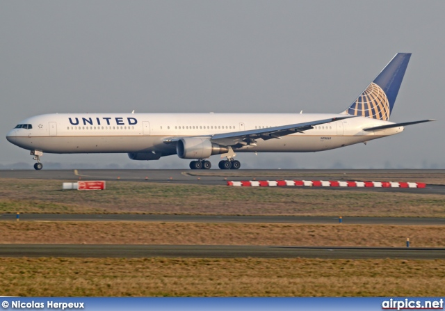 N78060, Boeing 767-400ER, United Airlines