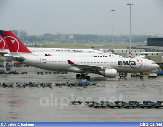 N851NW, Airbus A330-200, Northwest Airlines
