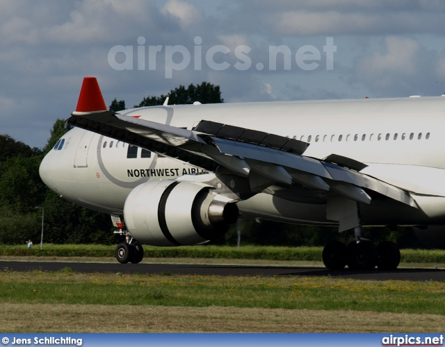 N855NW, Airbus A330-200, Northwest Airlines
