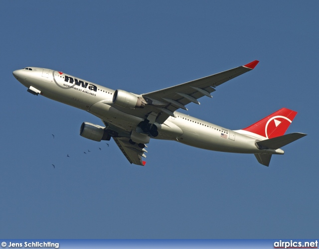 N861NW, Airbus A330-200, Northwest Airlines