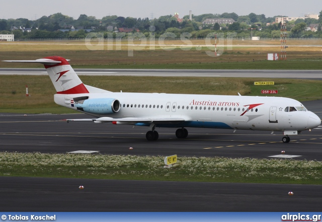 OE-LVF, Fokker F100, Austrian Arrows (Tyrolean Airways)