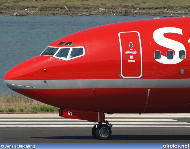 OY-MRI, Boeing 737-700, Sterling Airlines