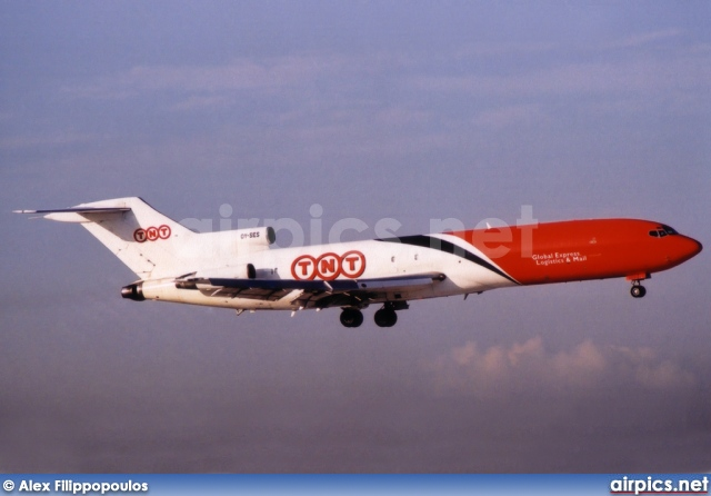 OY-SES, Boeing 727-200Adv-F, TNT Airways