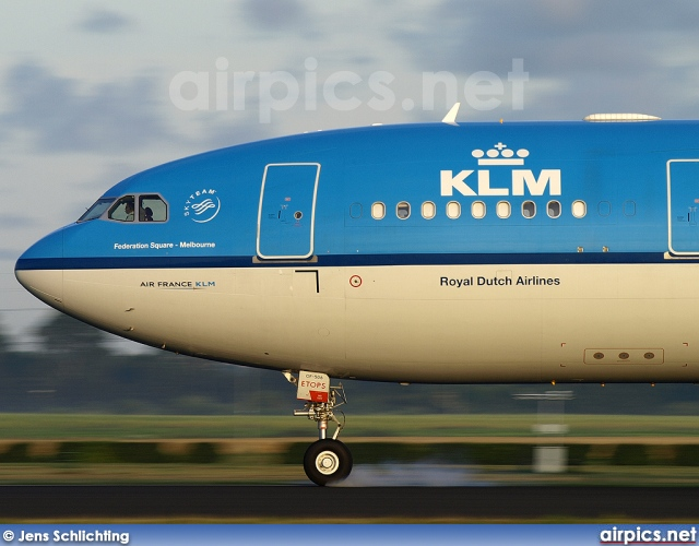 PH-AOF, Airbus A330-200, KLM Royal Dutch Airlines