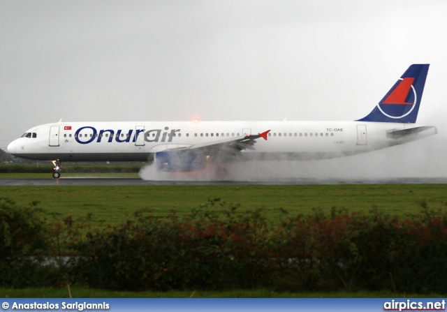 TC-OAE, Airbus A321-200, Onur Air