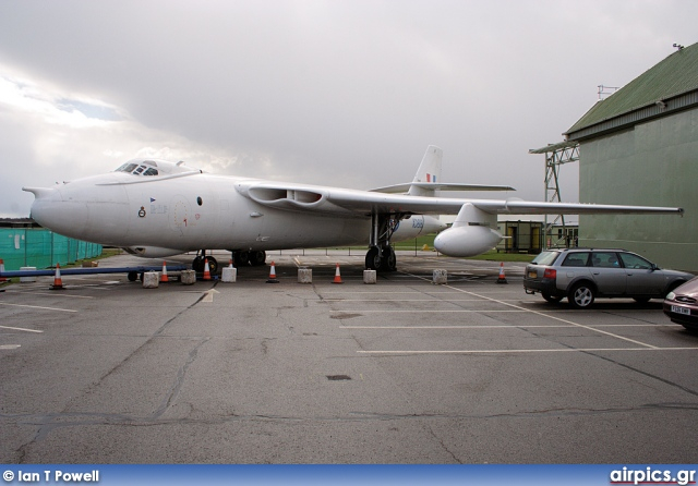 XD818, Vickers Valiant-BK.1, Royal Air Force