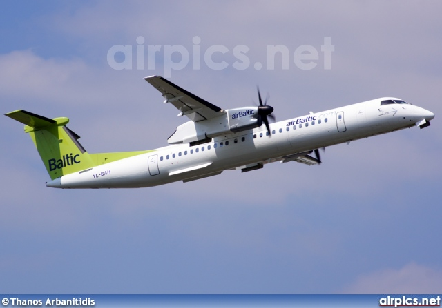 YL-BAH, De Havilland Canada DHC-8-400Q Dash 8, Air Baltic