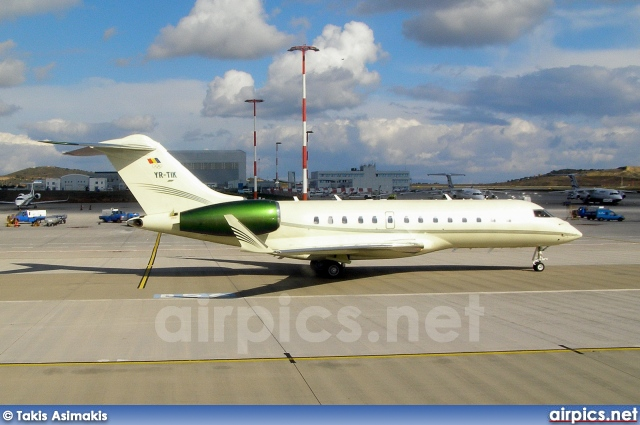 YR-TIK, Bombardier Global 5000, Tiriac Air
