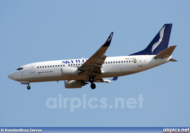 Z3-AAJ, Boeing 737-300, Skywings International