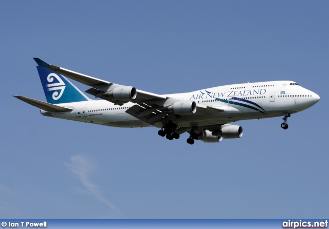 ZK-NBW, Boeing 747-400, Air New Zealand