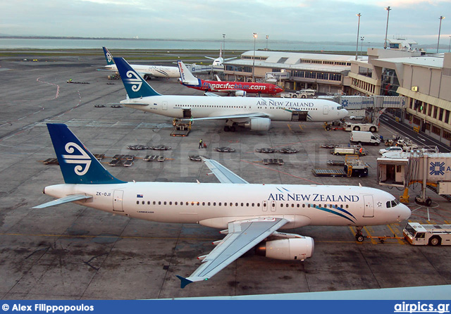 ZK-OJI, Airbus A320-200, Air New Zealand