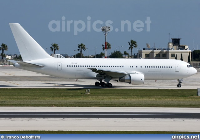 ZS-SOF, Boeing 767-200ER, Aeronexus Corporation