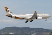 A6-EYF, Airbus A330-200, Etihad Airways