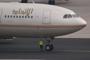 A6-EYM, Airbus A330-200, Etihad Airways