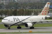AP-BEC, Airbus A310-300, Pakistan International Airlines (PIA)