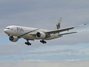 AP-BGL, Boeing 777-200ER, Pakistan International Airlines (PIA)