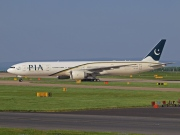 AP-BHV, Boeing 777-300ER, Pakistan International Airlines (PIA)