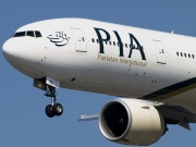 AP-BID, Boeing 777-300ER, Pakistan International Airlines (PIA)
