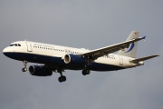 D-ANNF, Airbus A320-200, Blue Wings