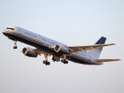 EC-ISY, Boeing 757-200, Privilege Style
