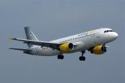 EC-LAA, Airbus A320-200, Vueling