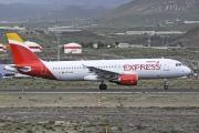 EC-LUS, Airbus A320-200, Iberia Express