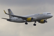 EC-LVX, Airbus A320-200, Vueling