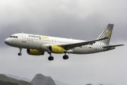EC-LZE, Airbus A320-200, Vueling