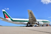 EI-ISB, Boeing 777-200ER, Alitalia