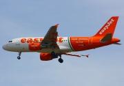 G-EZIW, Airbus A319-100, easyJet