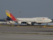 HL7421, Boeing 747-400M, Asiana Airlines