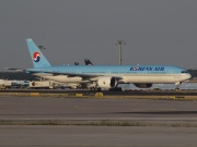 HL8216, Boeing 777-300ER, Korean Air