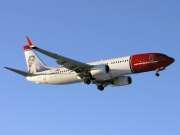 LN-DYE, Boeing 737-800, Norwegian Air Shuttle
