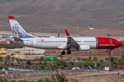 LN-NGA, Boeing 737-800, Norwegian Air Shuttle