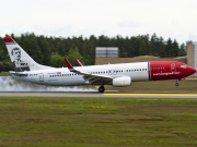 LN-NOF, Boeing 737-800, Norwegian Air Shuttle