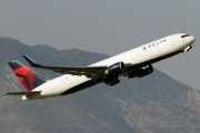 N1613B, Boeing 767-300ER, Delta Air Lines