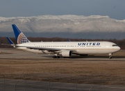 N674UA, Boeing 767-300ER, United Airlines