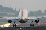OE-LEE, Airbus A320-200, Niki