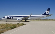 SP-LNB, Embraer ERJ 190-200LR (Embraer 195), LOT Polish Airlines