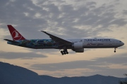 TC-JJU, Boeing 777-300ER, Turkish Airlines