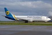 UR-GAM, Boeing 737-400, Ukraine International Airlines