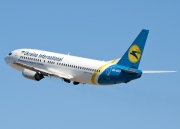 UR-GAO, Boeing 737-400, Ukraine International Airlines