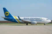 UR-GAU, Boeing 737-500, Ukraine International Airlines
