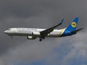 UR-PSE, Boeing 737-800, Ukraine International Airlines